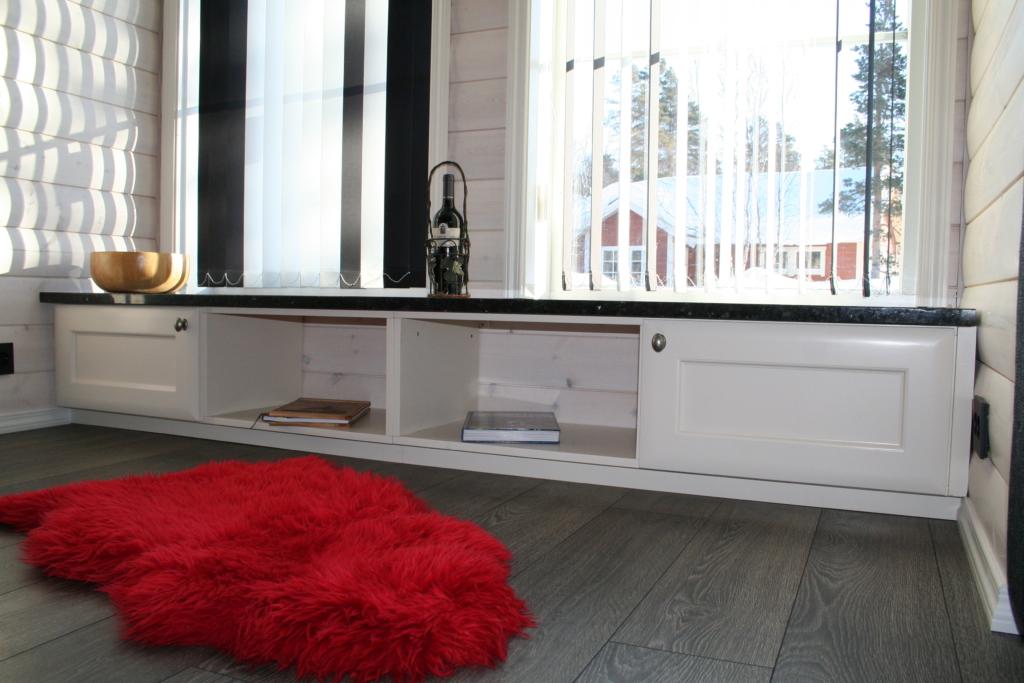 Møbel med Granitt benkeplate