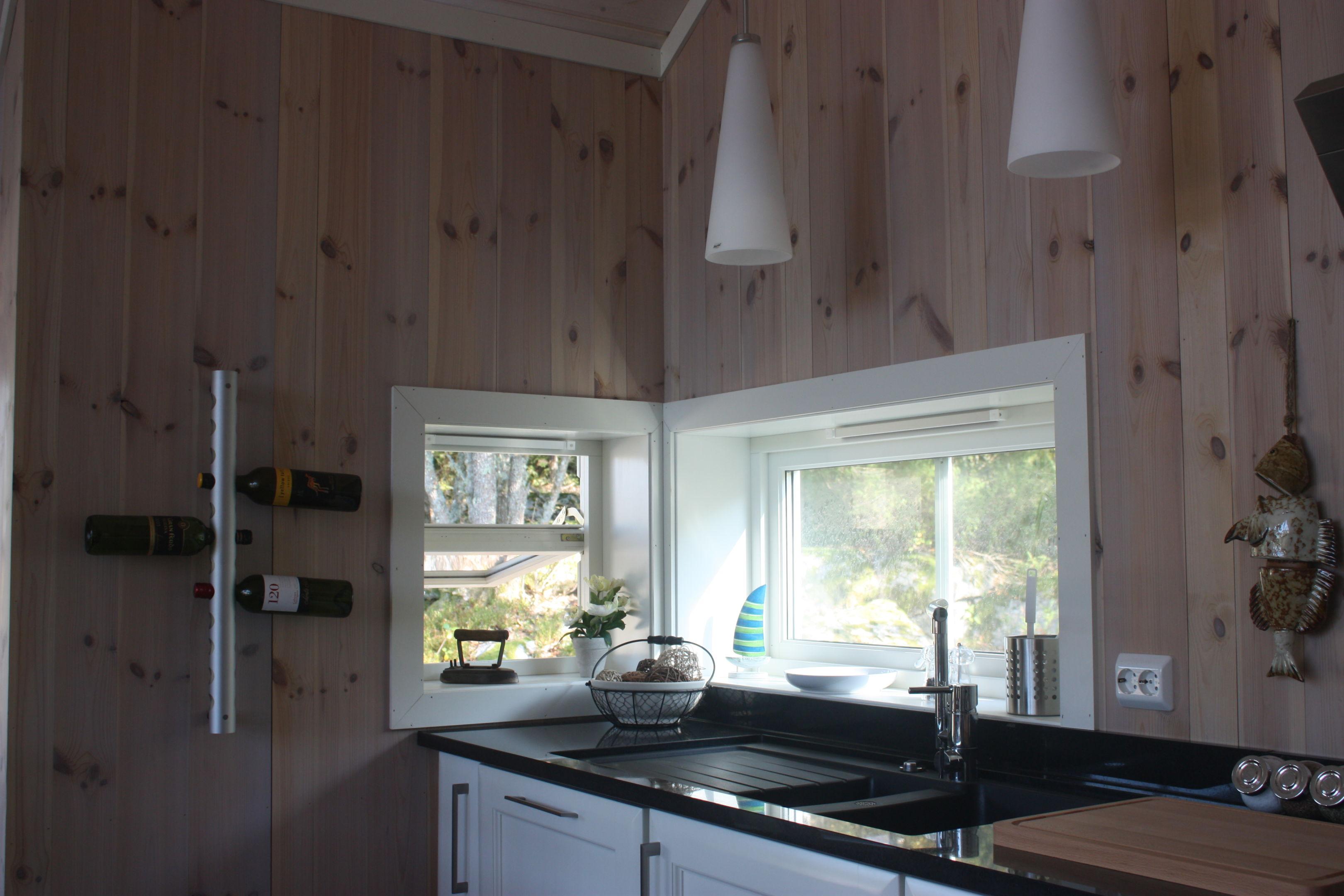 kjøkken hjørne med granitt benkeplate